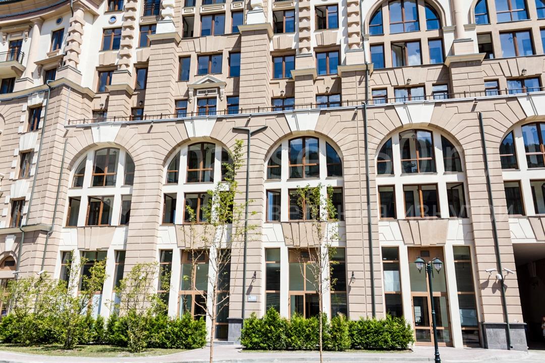 Главный вход Горки Город, апартаменты, Красная поляна