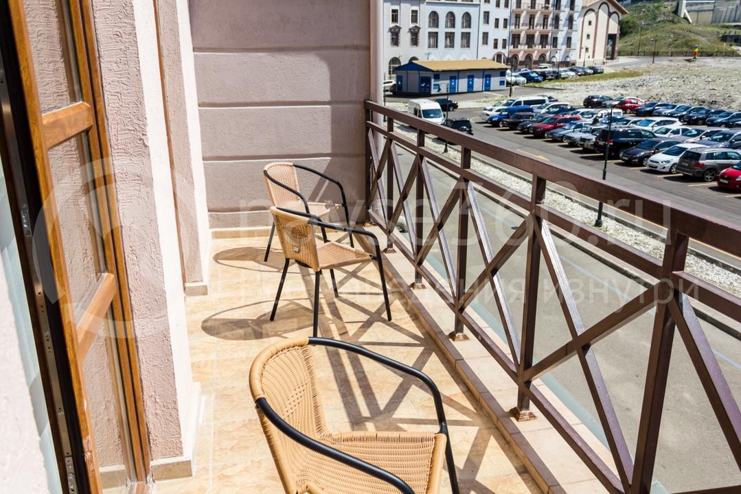 Балкон номера Вид внутри апартаментов Горки Город 3