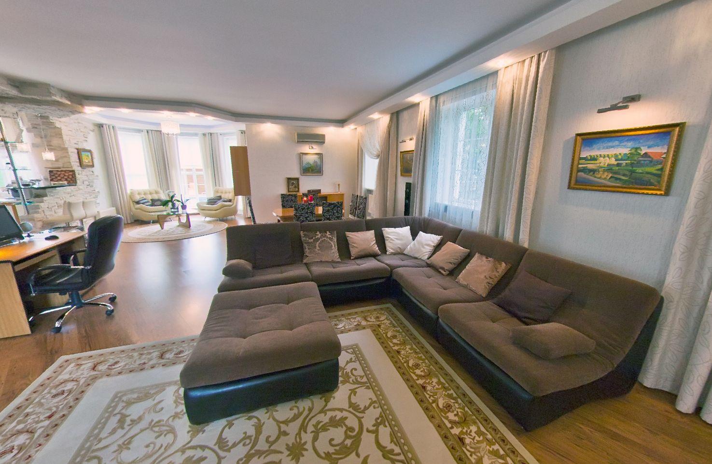 Купить дом в Анапе - гостиная комната 9