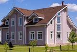 Онтарио, коттеджный поселок. Розовый дом