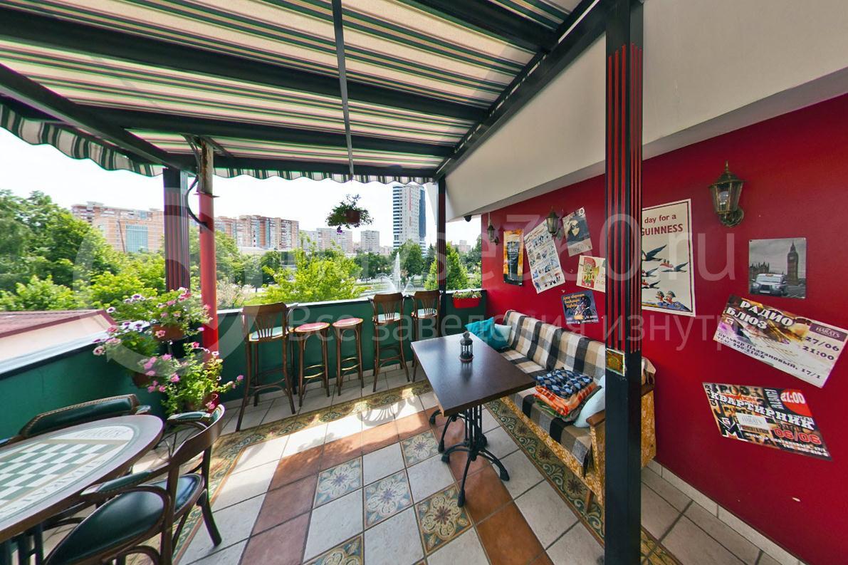 Harat`s Pub, в ФМР, Краснодар, столики на балконе