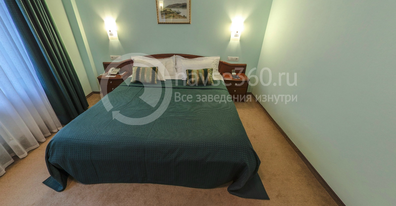 Спальня панорамного люкса