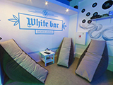 White bar, бар